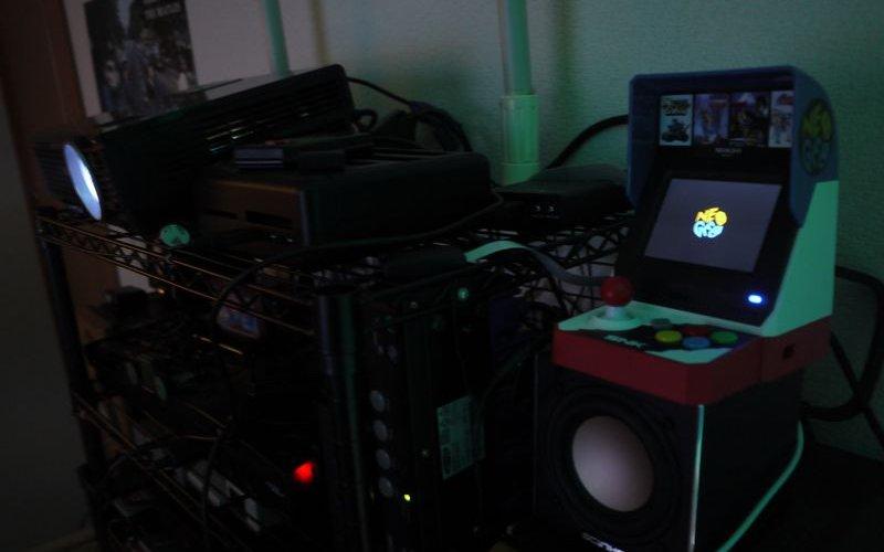 NeoGeo mini レビュー!プロジェクターに接続してみた